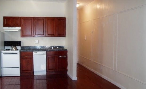 nostrand ave 3br apt for rent in crown heights crg3153