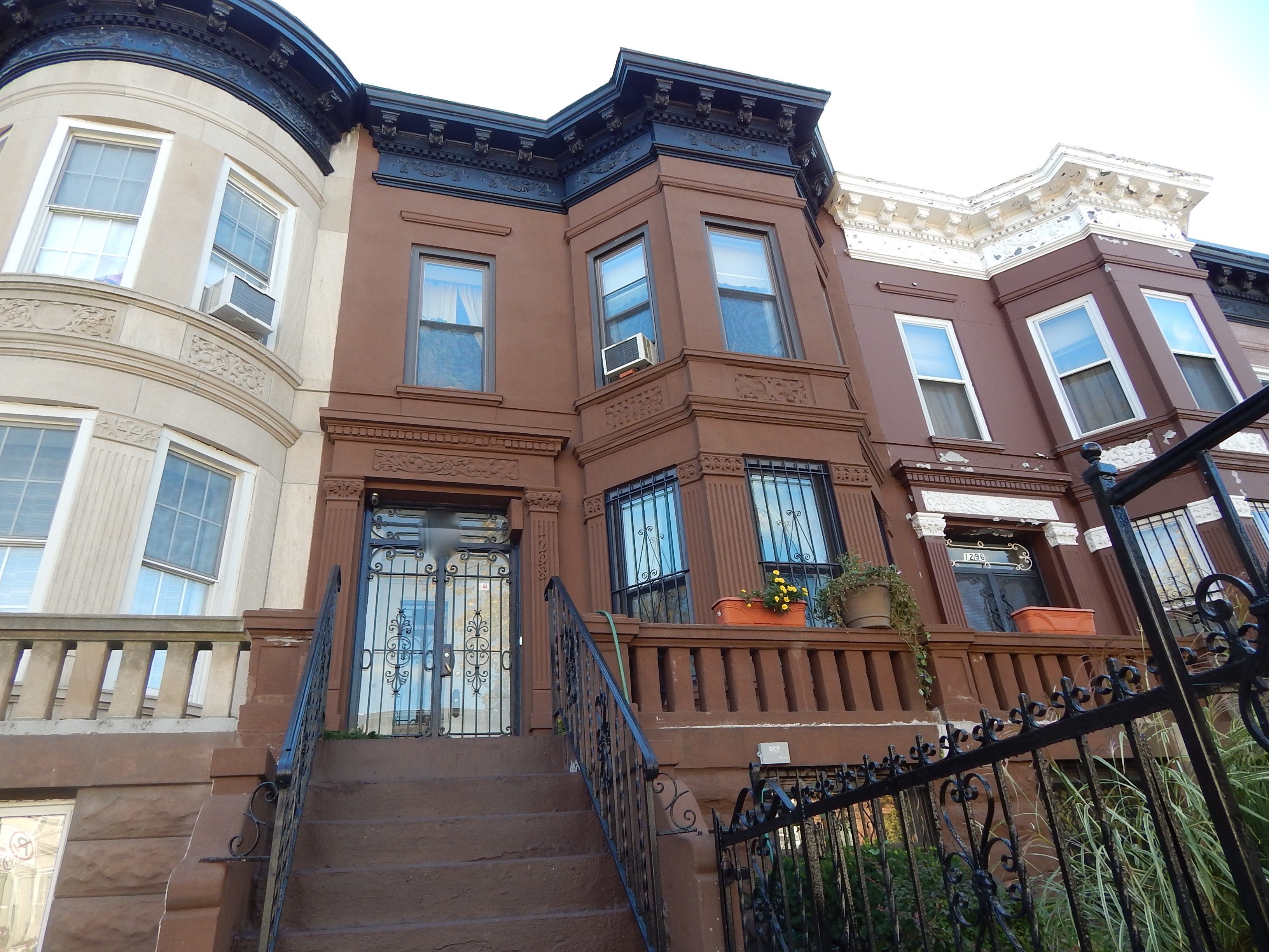 Carroll St Brownstone For Sale In Crown Heights Crg1082