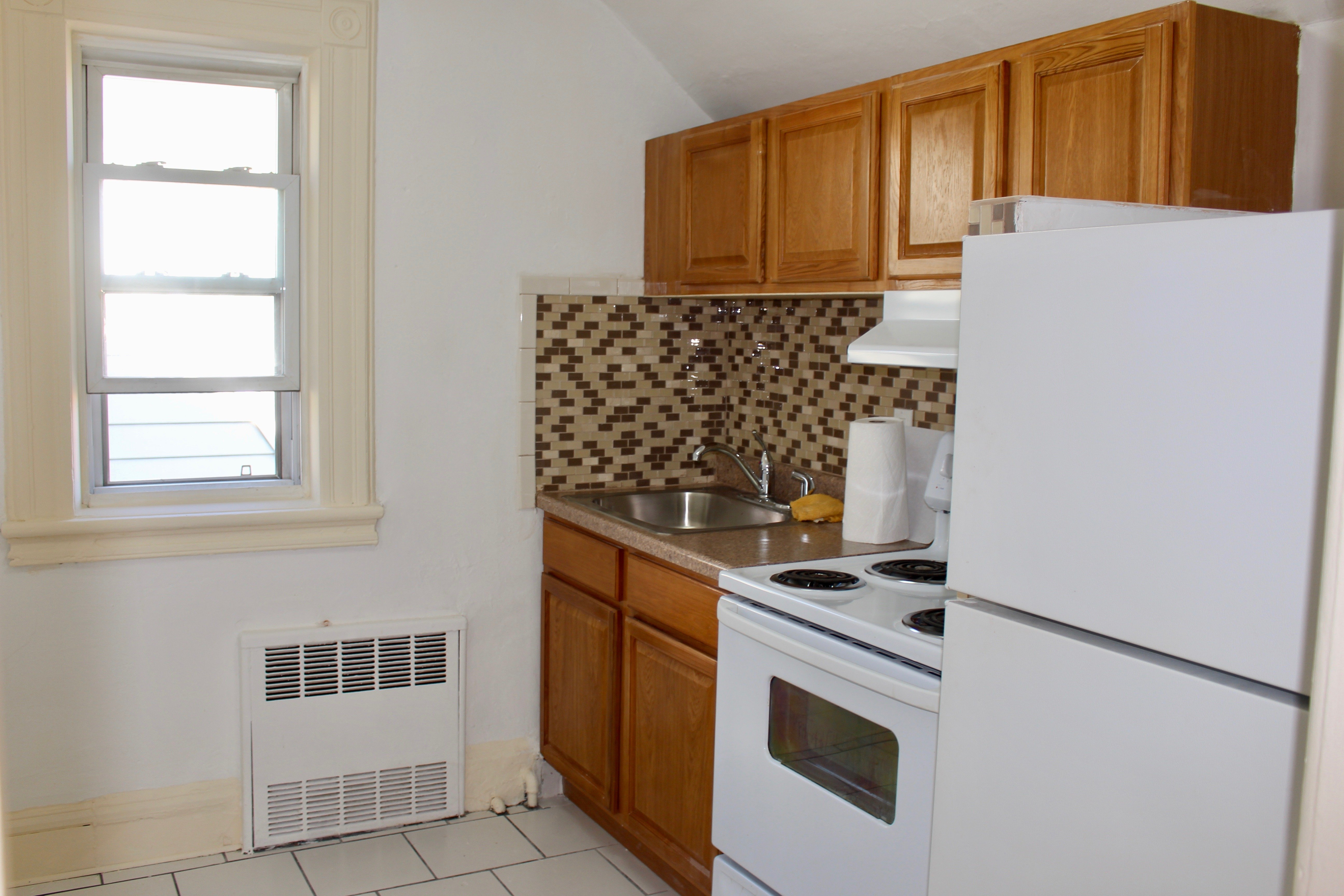 brooklyn ave 2br apt for rent crg3200-a