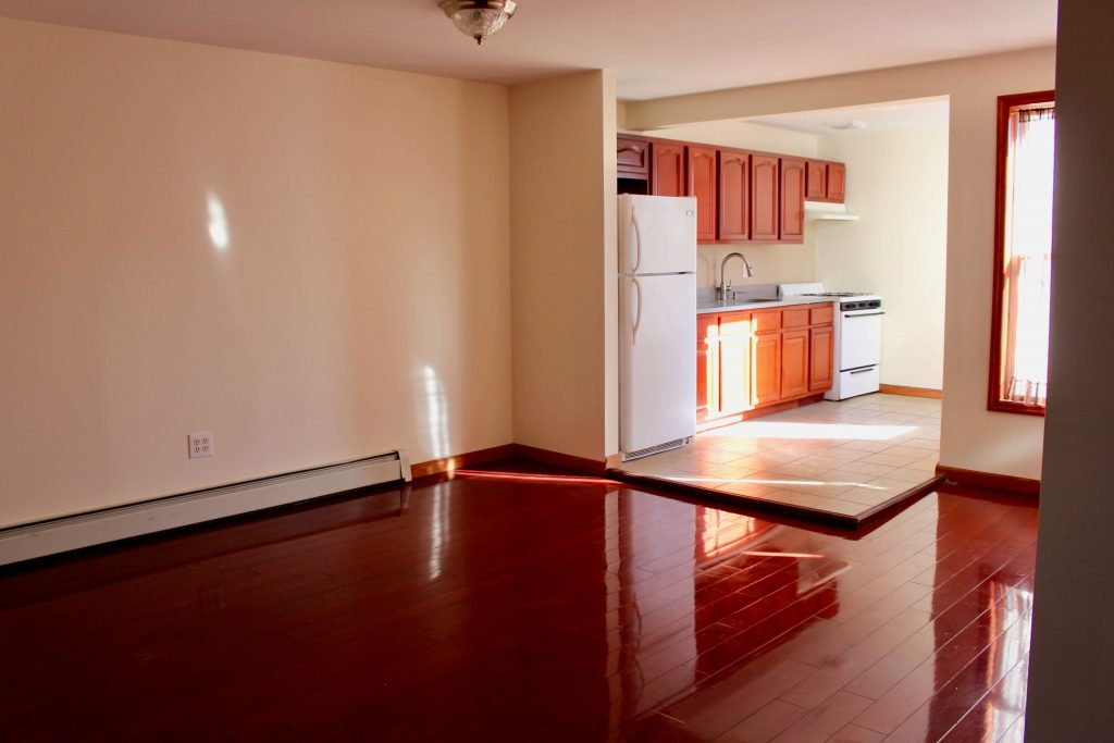 cooper st 3br apt for rent in bushwhack crg3228