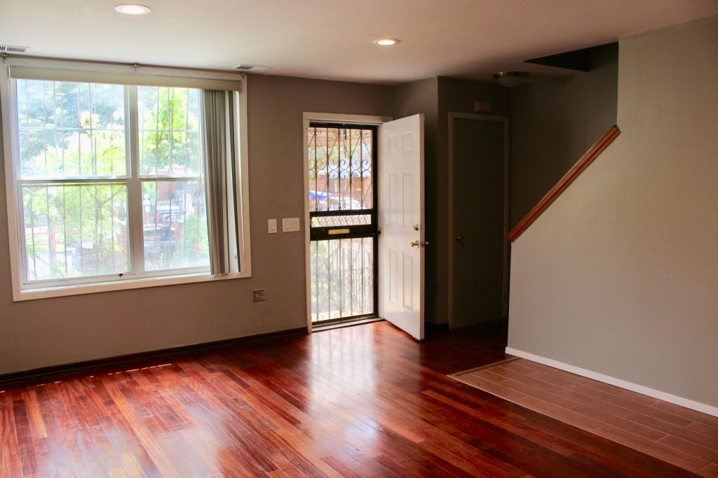 bedroom queen hinsdale house rental | Hinsdale St 3BR Duplex for Rent in East New York CRG3232